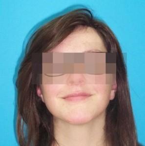 Mujer después de un tratamiento capilar