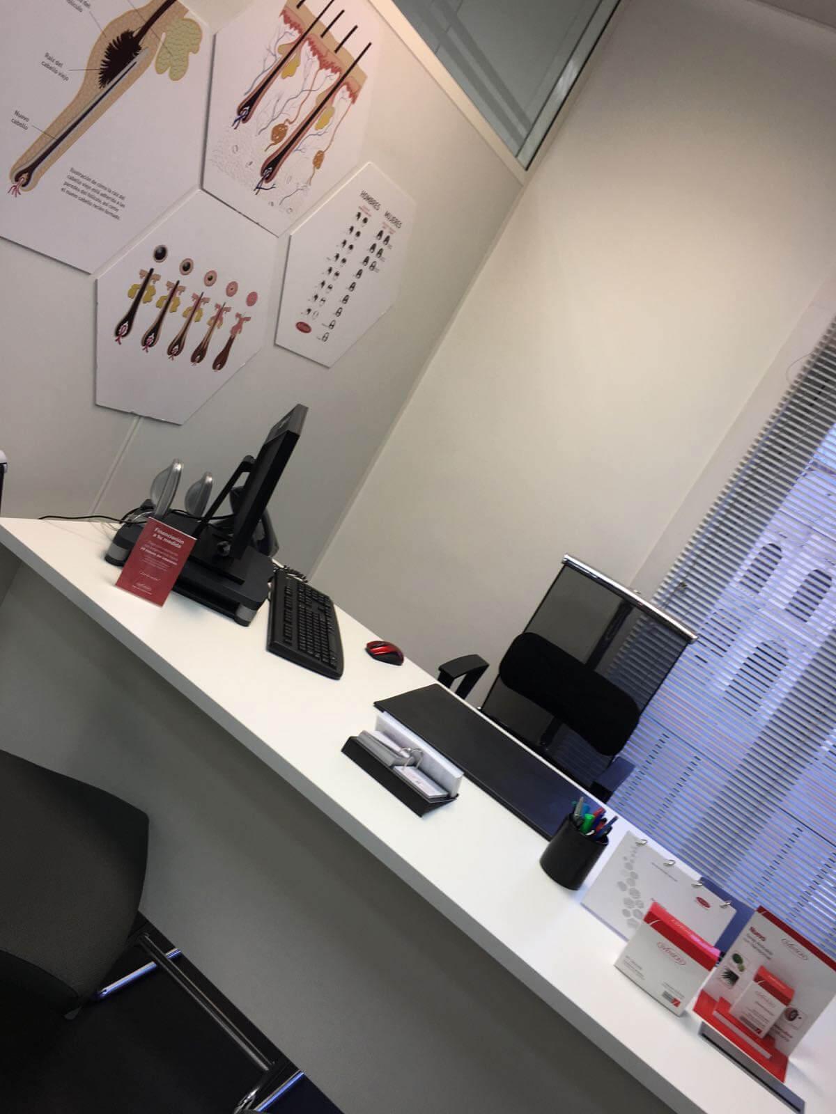 Consulta médica de la clínica capilar Svenson en Valladolid