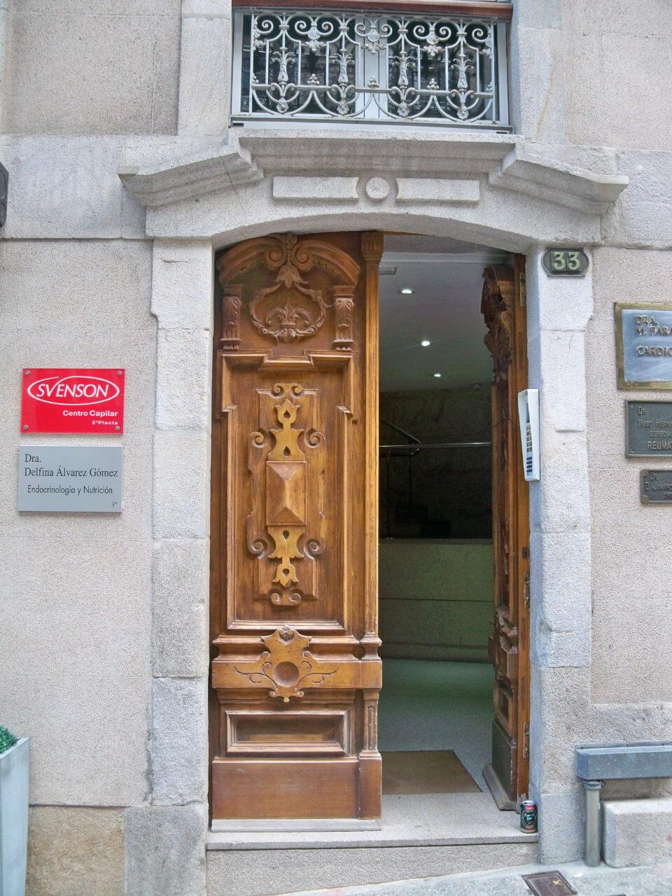 Centro Svenson entrada Vigo