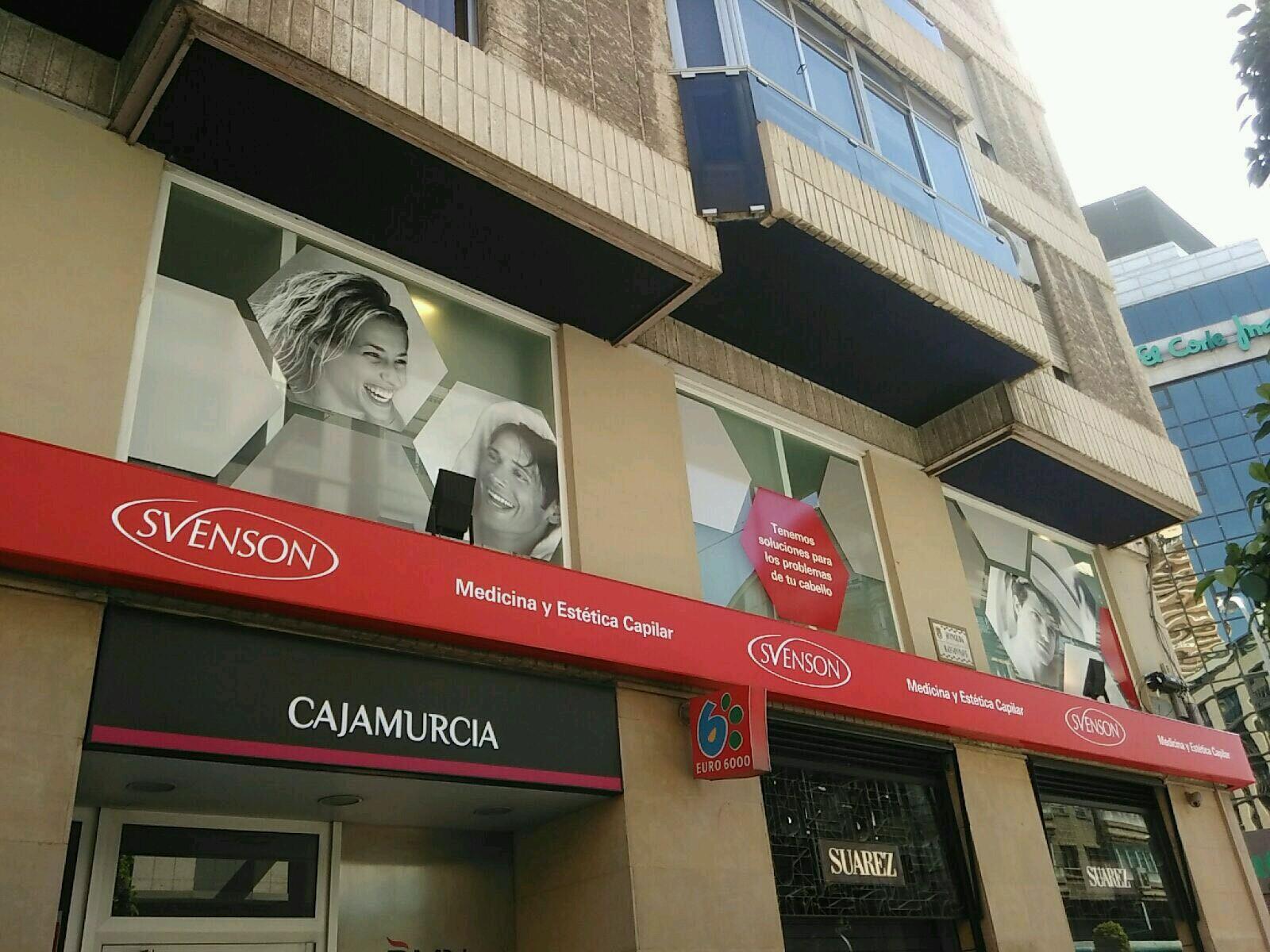 Fachada exterior de la clínica capilar Svenson en Alicante